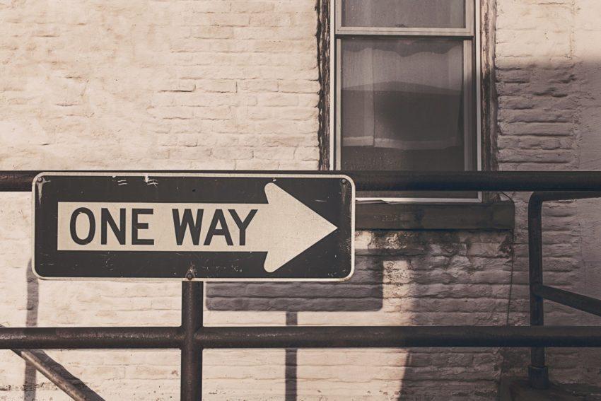 SDR ajuda e educa o lead no caminho para se tornar cliente